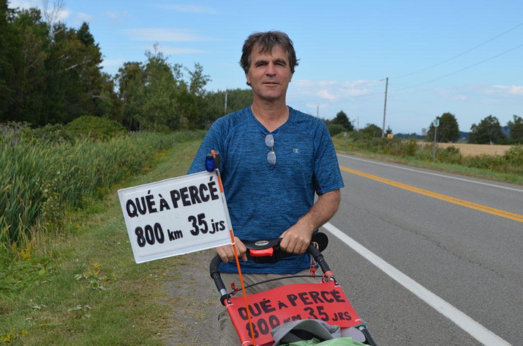 Il marche de Québec à Percé