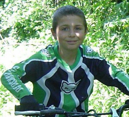 Syndrome de Gilles de la Tourette: une activité de sensibilisation pour un garçon de 10 ans